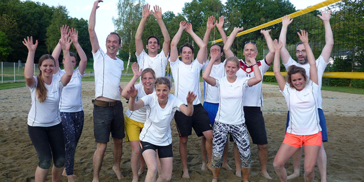 Rentschler teams at the beach volleyball tournament with super placements