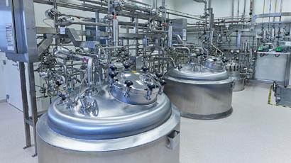 Ausbau der Produktionsanlagen (1x 3.000 l Edelstahl, 2x 1.000 l Einweg-Bioreaktoren)